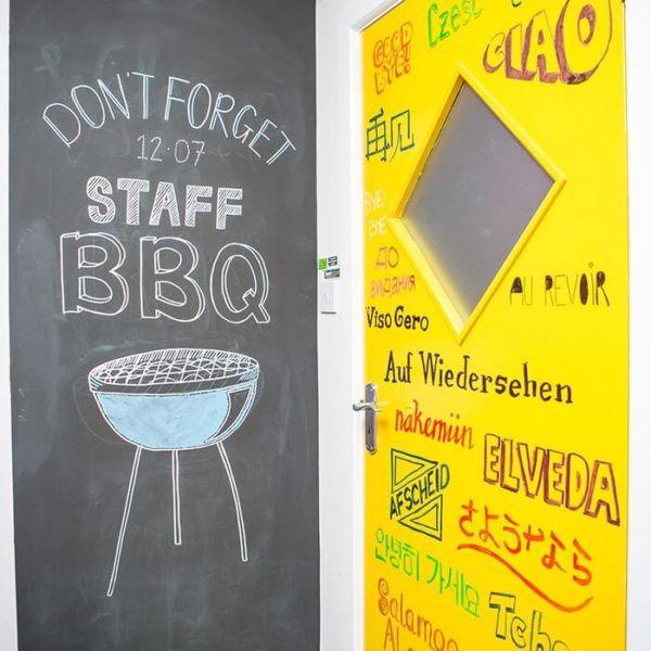 Chytrá stena – Smart Wall Paint - tabuľová farba v kancelárii